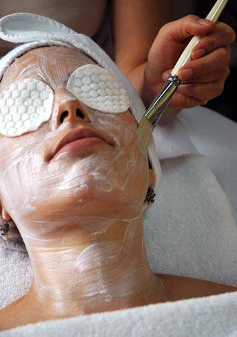 Deep cleansing facial spa